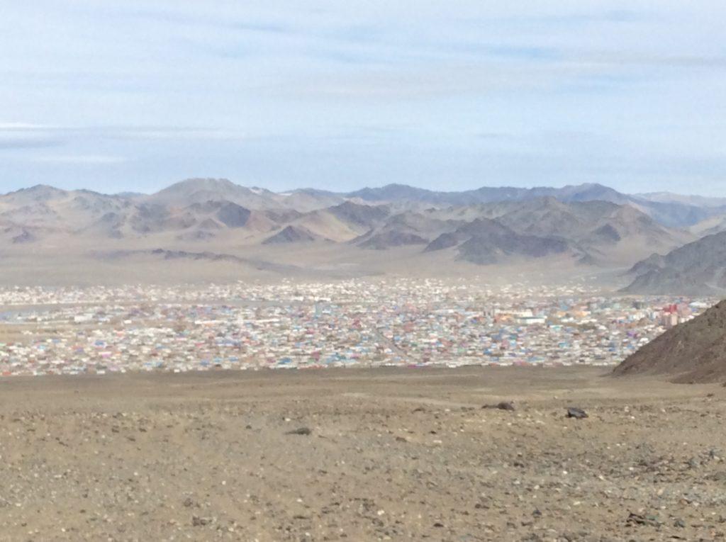 Olgi: nel nulla pieno di bellezza. Farwest della Mongolia.